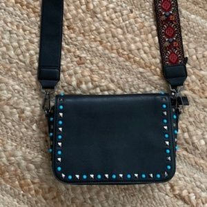 """Like New""Urban Expressions Reversible Strap Purse"